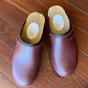 ❤️ Maroon leather clogs open back Swedish hasbeens